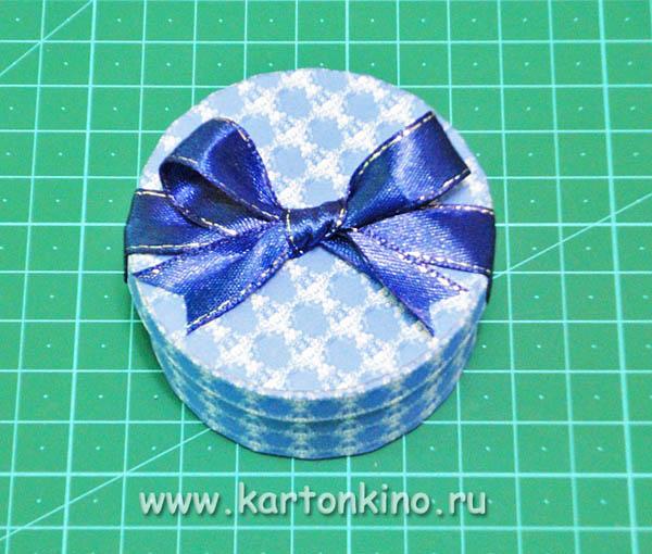 Круглая коробочка с бантиком