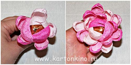 Второй вид цветов из конфет