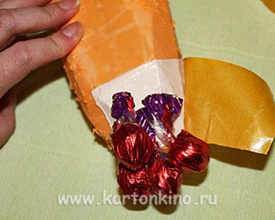 Клубника из конфет (мастер-класс)